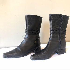 Bernardo Black Leather Boot  90s Square Toed VTG